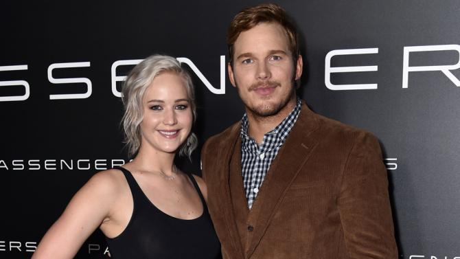 Jennifer Lawrence ve Chris Pratt Canlı Yayını Terk Etti